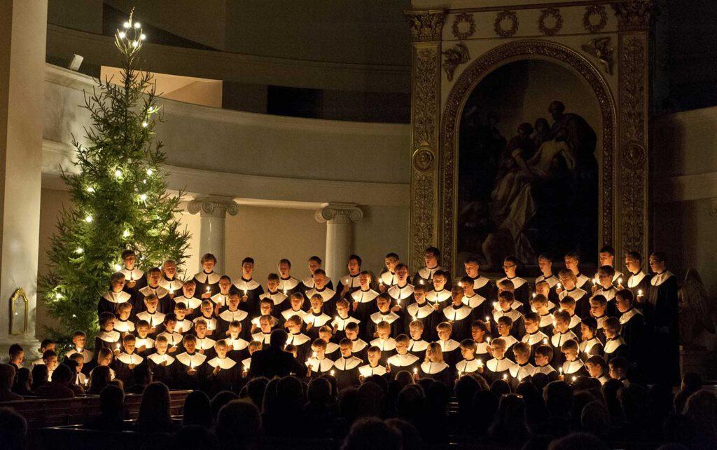 Cantores Minores -kuoro esiintyy joulukirkossa